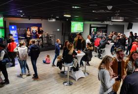 Belle ambiance dans les salons du stade d'Ornano après la victoire face à Orléans (2-1)