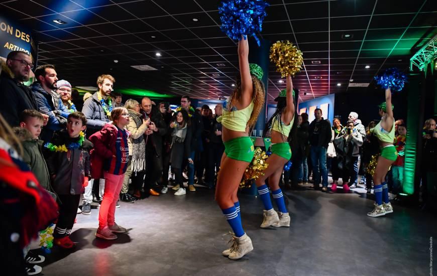 Ambiance brésilienne vendredi soir dans les salons du stade à l'occasion du Carnaval de Rio