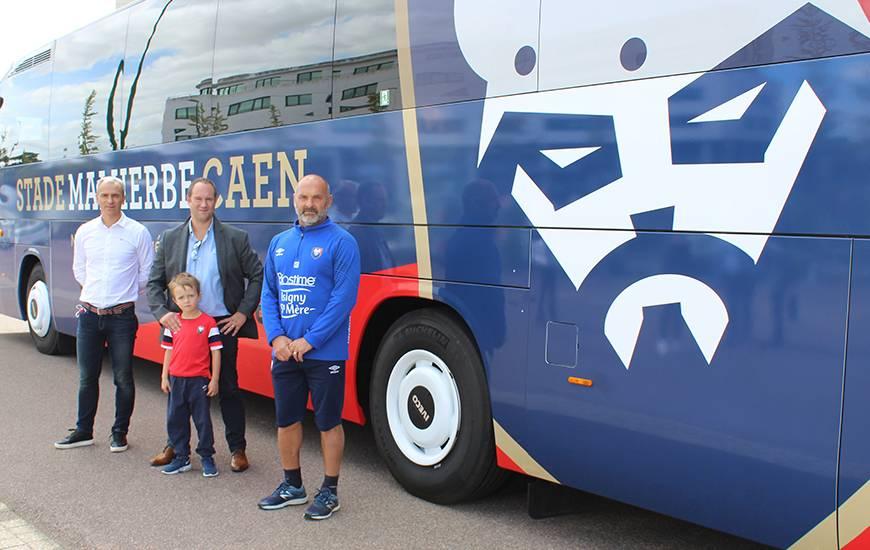 Stéphane Delcourt en compagnie de son fils aux côtés de Pascal Dupraz et Arnaud Tanguy